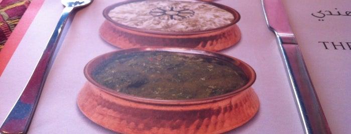Tandoor Indian Cuisine is one of Lugares favoritos de Amit.