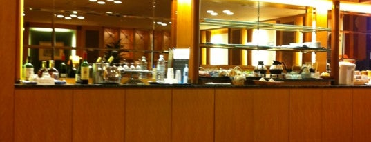 KAL Lounge is one of 今まで行った空港ラウンジ(Airport Lounge).
