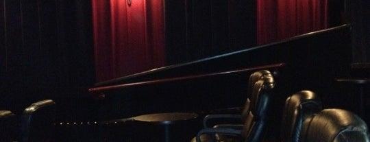 Our Town Cinemas is one of Locais salvos de Kelly.