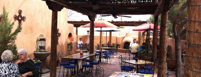Josefina's Old Gate Cafe & Winery is one of Locais salvos de Jorge.