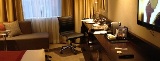 Grand Ambassador Hotel is one of Locais curtidos por Dilek.