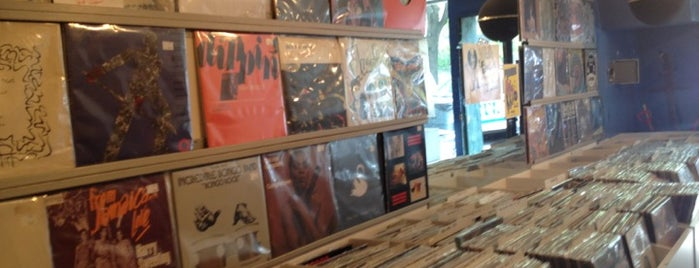 Gimme Gimme Records is one of New York IV.