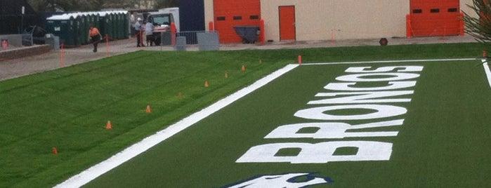 Denver Broncos Team Facility is one of สถานที่ที่ Stacia ถูกใจ.