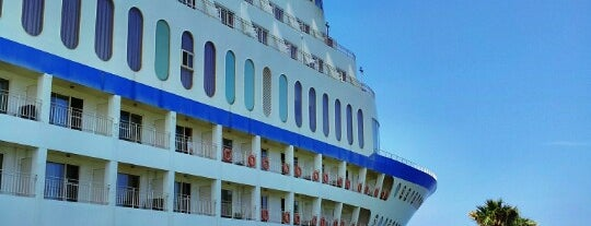 Sun Cruise Resort & Yacht is one of Crazy Places.