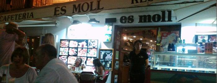Cafeteria Es Moll is one of COME UNA HAMBURGUESA EN IBIZA.