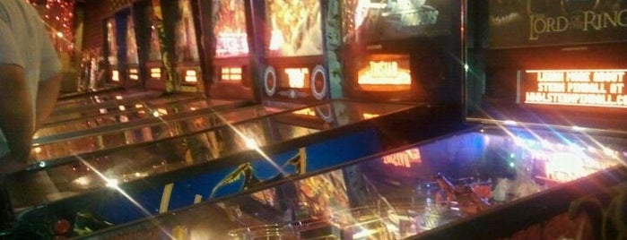 8 On The Break is one of Pinball Destinations.