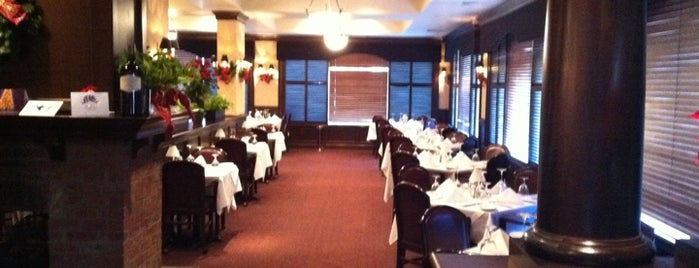 Ruth's Chris Steak House is one of Lugares favoritos de Graham.