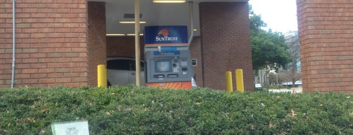 SunTrust is one of Rockwell's Liked Places.