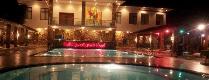 Full Moon Garden Hotel is one of Iryna : понравившиеся места.