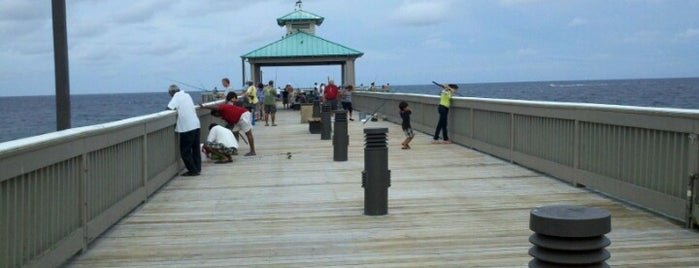 Deerfield Beach Pier is one of Jan's Liked Places.