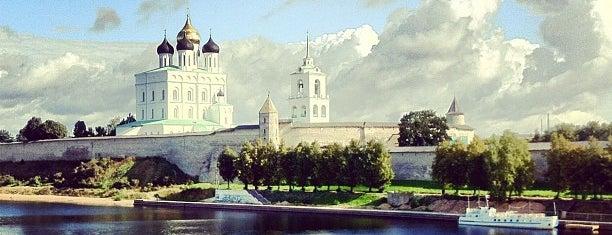 Псковский Кром (Кремль) / Pskov Krom (Kremlin) is one of Elena 님이 좋아한 장소.