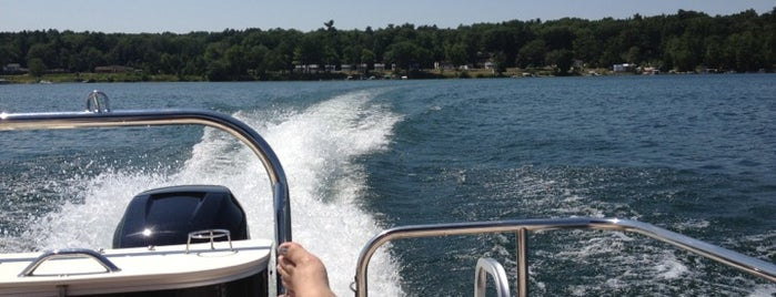 Mullet Lake is one of Jen : понравившиеся места.