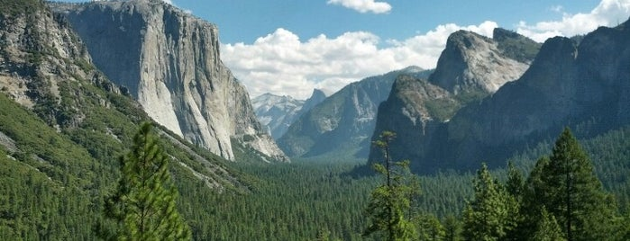 Tunnel View is one of Yosemite Valley.