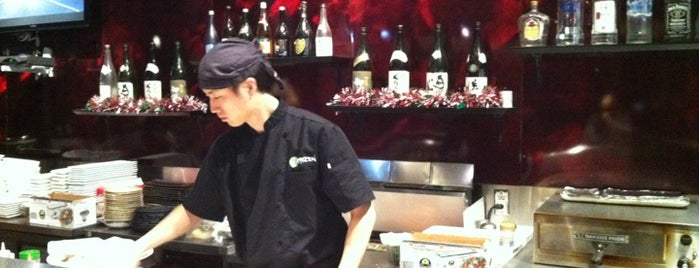 Kaizen Fusion Roll & Sushi is one of Lieux qui ont plu à Alberto J S.