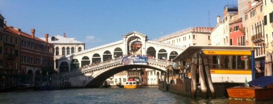 Ponte di Rialto is one of The Bucket List.