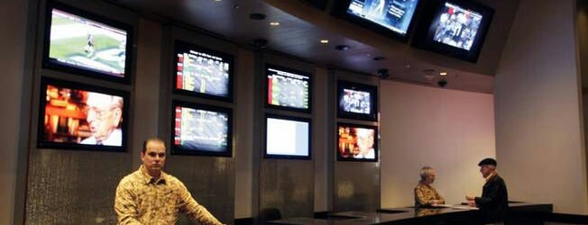 Race & Sports Book is one of Vaca.