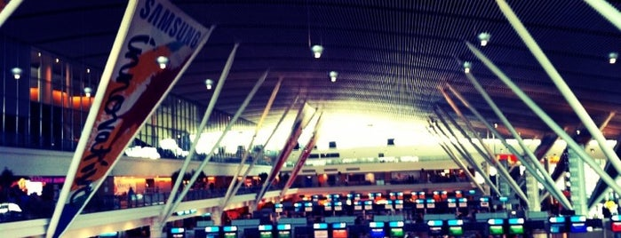 Aeroporto Internacional da Cidade do Cabo (CPT) is one of Airports Visited.