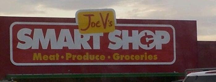 Joe V's Smart Shop is one of Posti che sono piaciuti a Tania.