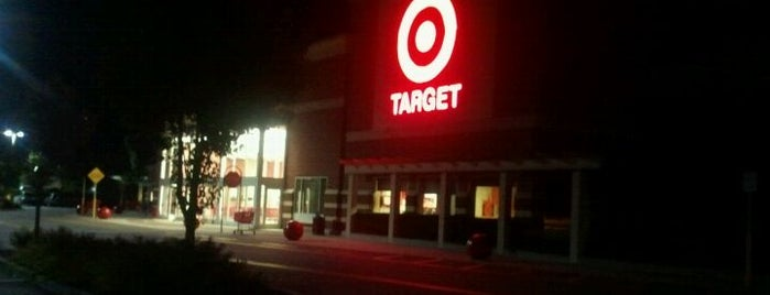 Target is one of Lugares favoritos de Nate.