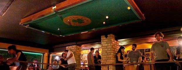 The Lucky Screw Irish Pub is one of Restaurantes.