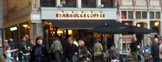 Starbucks is one of Lieux qui ont plu à Frey.
