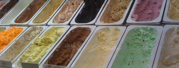 Al Gelato is one of Locais curtidos por leoaze.
