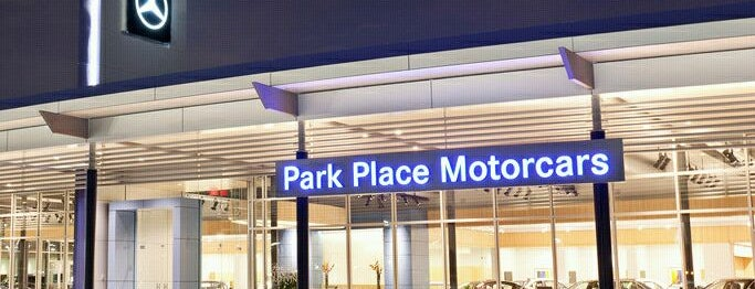 Park Place Motorcars Grapevine is one of Posti che sono piaciuti a Malcolm.