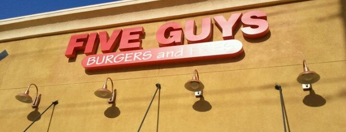 Five Guys is one of Alexiaさんのお気に入りスポット.