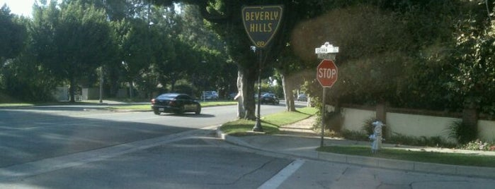 Beverly Hills is one of I  2 TRAVEL!! The PACIFIC COAST✈.