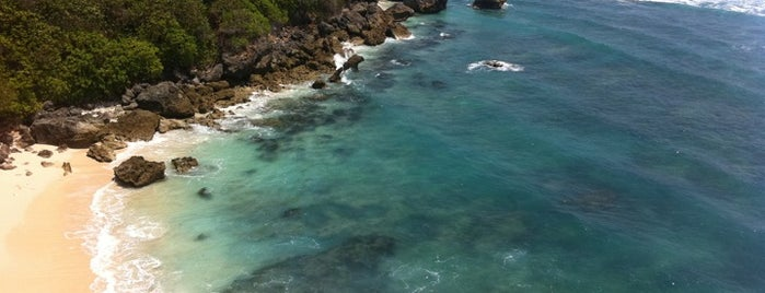 Pantai Suluban | Blue Point Beach is one of Gespeicherte Orte von samichlaus.