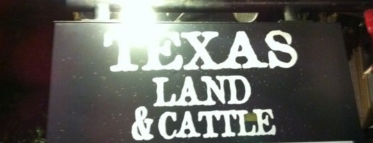 Texas Land & Cattle Steak House is one of Lugares guardados de M.