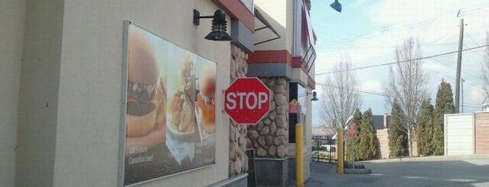 McDonald's is one of Lieux qui ont plu à Angel.