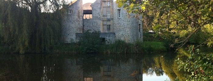 Château de la Chasse is one of Lieux sauvegardés par Eric.