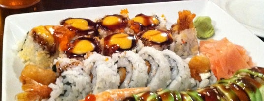 Mandarin Grill & Sushi Bar is one of Locais curtidos por Ashley.