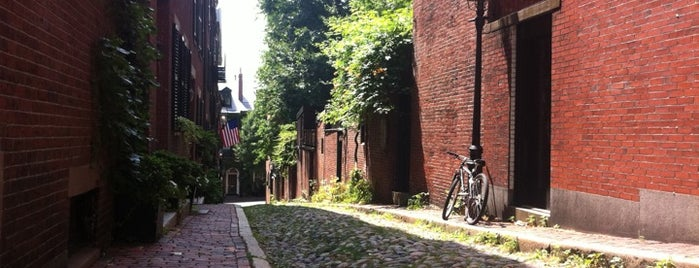 Acorn Street is one of BUcket List.