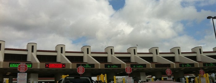 Border Crossing Nuevo Laredo is one of Rubén's Liked Places.
