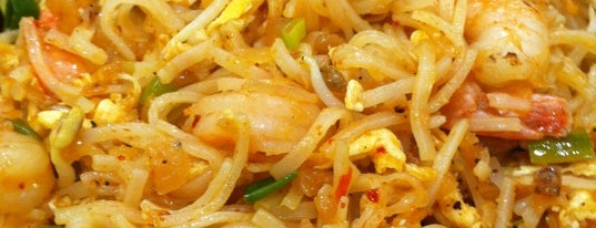 Pad Thai is one of Dubai Food.
