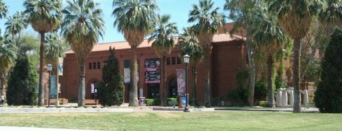 Centennial Hall is one of Tempat yang Disukai Fabrice.