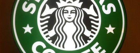Starbucks is one of Lieux qui ont plu à Lia.