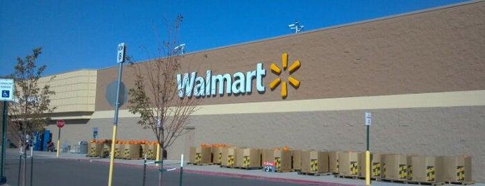 Walmart Supercenter is one of Ian'ın Beğendiği Mekanlar.