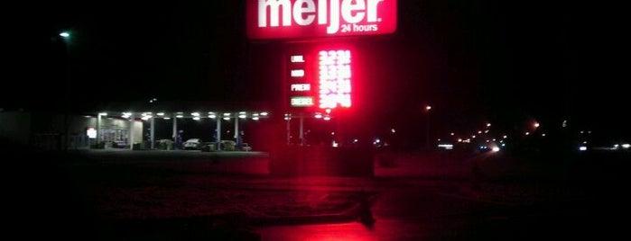 Meijer Gas Station is one of Andrew'in Beğendiği Mekanlar.
