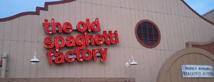 The Old Spaghetti Factory is one of Dollyさんのお気に入りスポット.