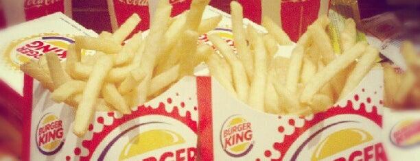 Burger King is one of Restaurantes Saludables.