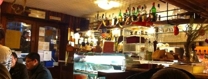 Taverna San Maurizio is one of Tempat yang Disukai Nami.