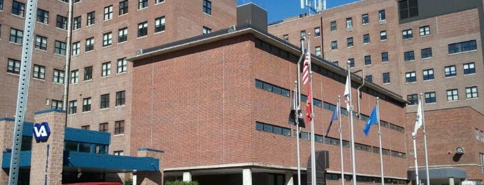 Syracuse VA Medical Center is one of Ingrid 😜'ın Kaydettiği Mekanlar.