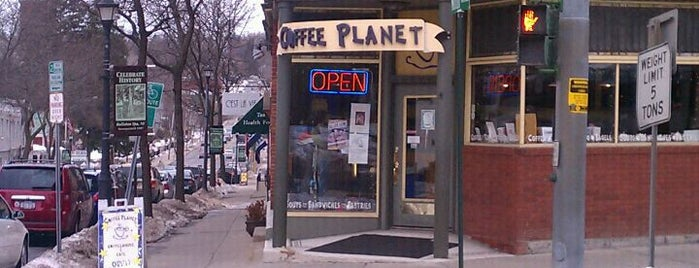 Coffee Planet is one of Locais curtidos por Jessie.