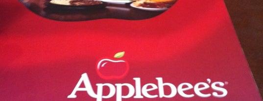 Applebee's is one of Restaurantes, Bares e Coffee Shops favoritos.