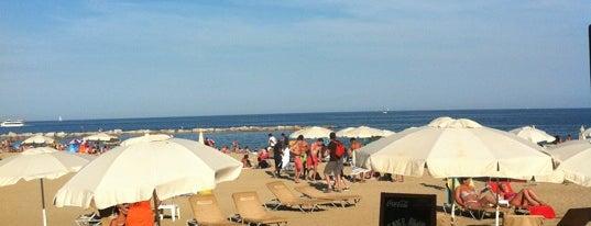 Ona Beach Bar is one of Chiringuitos de Barcelona.