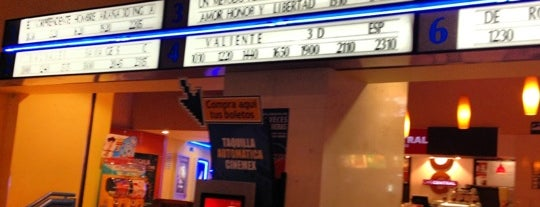 Cinemex is one of Lugares favoritos de Andrea.