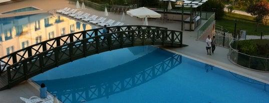 Adrina Deluxe Thermal Hotel & Spa is one of Tempat yang Disukai Kökten.